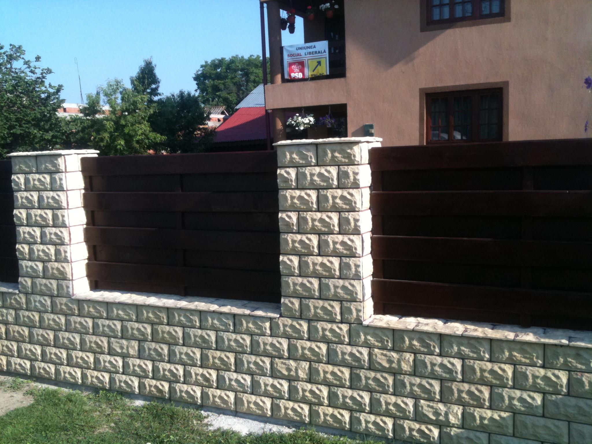 Garduri din lemn poze garduri din lemn modele terase for Modele de garduri pentru case
